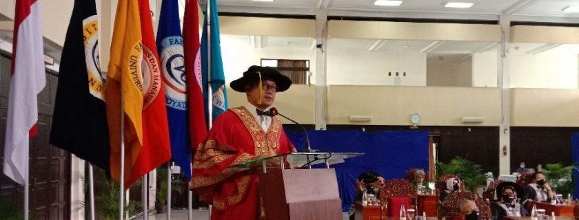 PENGUKUHAN MAHASISWA BARU UNIVERSITAS WIDYATAMA MENATAP PERKULIAHAN ERA PANDEMI COVID 19 DAN PPKM
